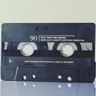 Hedendaagse muziek beluisteren met een cassette adaptor