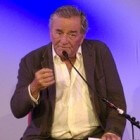 "Recensie speelfilm ""Tune in Tomorrow"" met Peter Falk"