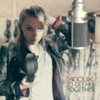 Anouk zingt nummer 1 hit Birds op Eurovisie Songfestival