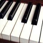 Haal met een piano muziek in huis